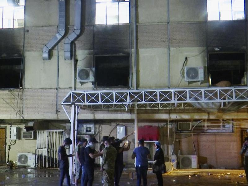 In der Corona-Station des Krankenhauses hat ein tödliches Feuer gewütet. Foto: -/AP/dpa