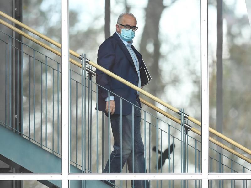 Fritz Keller schließt derzeit noch einen Rücktritt aus und will sich zumindest bis zu einem vorgezogenen DFB-Bundestag imAmt halten. Foto: Arne Dedert/dpa