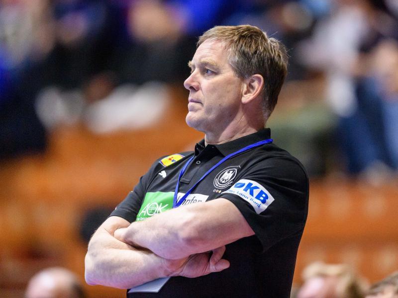 Macht sich schon Gedanken über den Kader für die Olympischen Spiele in Tokio: Bundestrainer Alfred Gislason. Foto: Sascha Klahn/dpa