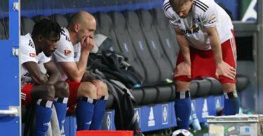 Wieder keine Bundesliga? Nach dem Remis gegen den KSC schwinden beim HSV weiter die Aufstiegshoffnungen. Foto: Christian Charisius/dpa