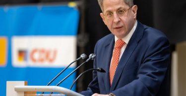 Hans-Georg Maaßen (CDU) spricht vor der Wahlkreisvertreterversammlung der CDU-Kreisverbände in Südthüringen. Foto: Michael Reichel/dpa