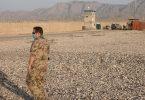 Ein Bundeswehrsoldat im nordafghanischen Masar-i-Scharif im Camp Marmal. Foto: Michael Fischer/dpa