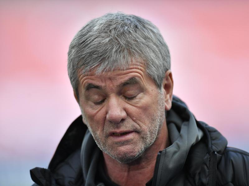 Friedhelm Funkel sieht die hohen Ablösesummen für Trainer kritisch. Foto: Martin Meissner/AP-Pool/dpa