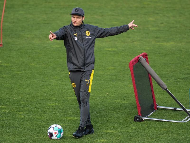 Trainer Edin Terzic bereitet Borussia Dortmund auf den Saison-Endspurt vor. Foto: Bernd Thissen/dpa