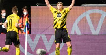 Ein Einsatz von BVB-Topstürmer Erling Haaland (r) gegen Leipzig ist weiter offen. Foto: Swen Pförtner/dpa
