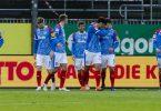 Holstein Kiel erhöht mit dem Sieg gegen St. Pauli den Druck auf die Konkurrenz. Foto: Frank Molter/dpa