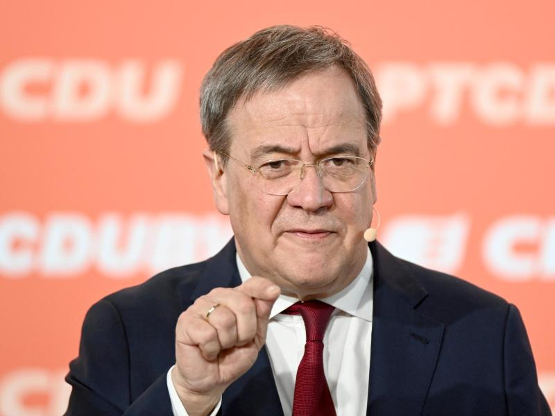 CDU-Chef Armin Laschet kann sich freuen:In einer Umfrage legt die Union etwas zu. Foto: Bernd Weißbrod/dpa
