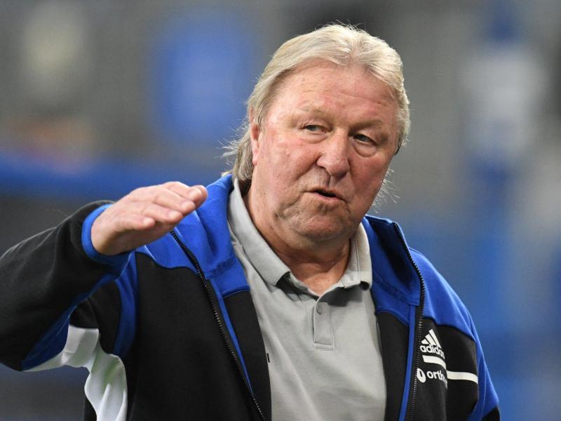 Hamburgs neuer Trainer Horst Hrubesch will mit dem HSV doch noch den Aufstieg schaffen. Foto: Daniel Reinhardt/dpa
