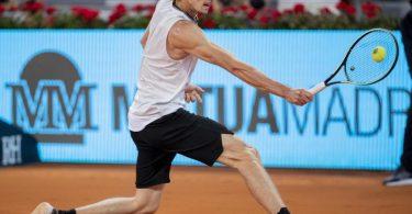 Will bei Olympia um drei Medaillen spielen: Alexander Zverev. Foto: Bernat Armangue/AP/dpa