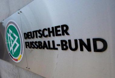 Der Deutsche Fußball-Bund steckt in einer tiefen Krise. Foto: Boris Roessler/dpa