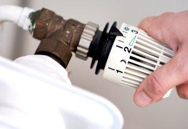 Vermieter sollen künftig die Hälfte der Kosten für den seit 1. Januar geltenden CO2-Preis auf Öl und Gas tragen. Foto: Hauke-Christian Dittrich/dpa