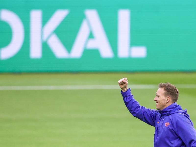 Leipzigs Trainer Julian Nagelsmann hofft auf einen Erfolg im Pokalfinale gegen den BVB.. Foto: Jan Woitas/dpa-Zentralbild/dpa