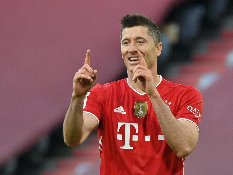 Braucht noch einen Treffer, um die 40-Tore-Marke zu brechen: Bayern-Torjäger Robert Lewandowski. Foto: Peter Kneffel/dpa-Pool/dpa