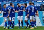 Das bereits abgestiegene Schalke zeigte gegen Frankfurt eine starke Leistung. Foto: Guido Kirchner/dpa