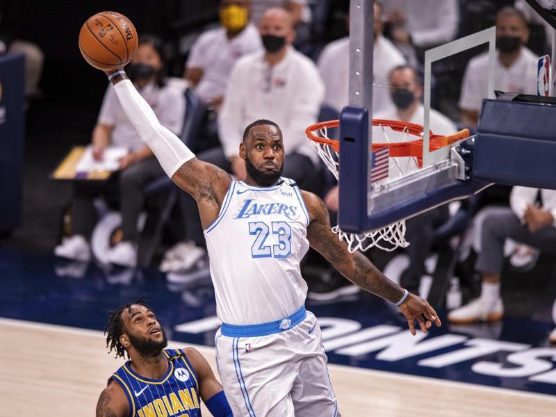 Lakers-Superstar LeBron James stand nach einer überstandenen Knöchelverletzung wieder auf dem Parkett. Foto: Doug Mcschooler/AP/dpa