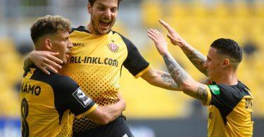 Mit einem 4:0 gegen Türkgücü München hat Dynamo Dresden den Aufstieg in die 2. Liga perfekt gemacht. Foto: Robert Michael/dpa-Zentralbild/dpa