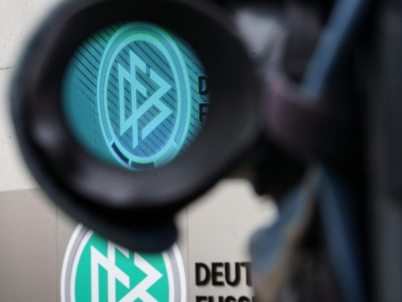 Der Deutsche Fußball-Bund muss sich nach dem heutigen Rücktritt von Fritz Keller neu aufstellen. Foto: Frank Rumpenhorst/dpa