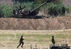Ein Artilleriekorps der israelischen Armee feuert in der Nähe der südisraelischen Stadt Sderot in Richtung Gaza. Foto: Tomer Neuberg/JINI via XinHua/dpa