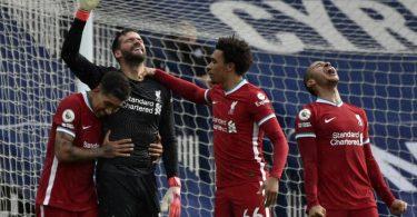 Liverpools Keeper Alisson Becker schoss das entscheidende Tor gegen West Bromwich Albion. Foto: Rui Vieira/Pool AP/dpa