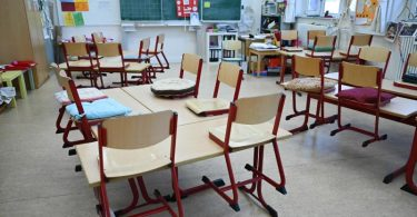 Der Berufsverband der Kinder- und Jugendärzte kritisiert die Vernachlässigung von Kindern scharf. Foto: Arne Dedert/dpa