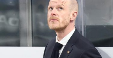 DEB-Coach Toni Söderholm sieht der WM zuversichtlich entgegen. Foto: Daniel Karmann/dpa
