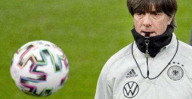 Bundestrainer Joachim Löw wird seinen EM-Kader bekanntgeben. Foto: Federico Gambarini/dpa