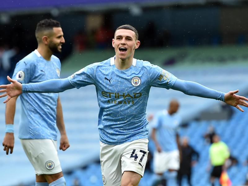 Phil Foden (M) traf beim 5:0-Kantersieg von Manchester City gegen den FCEverton zum 3:0. Foto: Peter Powell/PA Wire/dpa