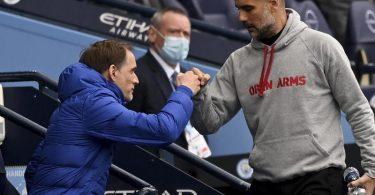 Man-City-Trainer Pep Guardiola (r) und Chelsea-Coach Thomas Tuchel sind befreundet. Foto: Shaun Botterill/Pool Getty/AP/dpa