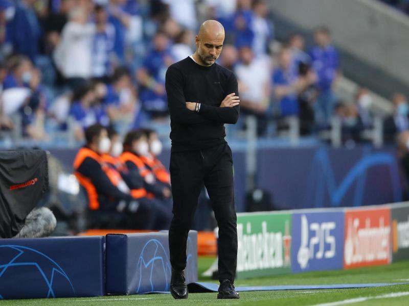 Pep Guardiola, Trainer von Manchester City, schaut nach dem Gegentor zum 0:1-Rückstand auf den Boden. Foto: David Klein/CSM via ZUMA Wire/dpa