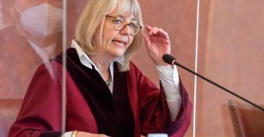 Jutta Förster, vorsitzende Richterin am Bundesfinanzhof, bei der Urteilsverkündung. Foto: Peter Kneffel/dpa