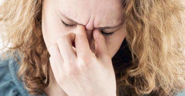 Gereizte Augen:UV-C-Leuchten können zwar Krankheitserreger abtöten - allerdings dafür an anderer Stelle auch Schäden verursachen. Foto: Christin Klose/dpa-tmn
