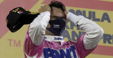 Sergio Perez feiert seinen ersten Grand-Prix-Sieg. Foto: Tolga Bozoglu/Pool EPA/AP/dpa