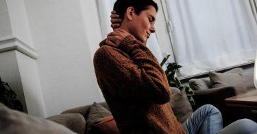 Long-Covid-Syndrome nennt man anhaltende Spätfolgen einer Covid-19-Infektion. Dazu zählen etwa Müdigkeit, Konzentrationsschwäche oder Schmerzen in Muskeln und Gelenken. Foto: Christin Klose/dpa-tmn