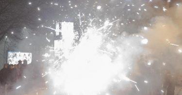 Silvester 2019 in Berlin: Böller und Raketen steigen in die Luft. Foto: Paul Zinken/dpa