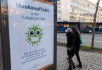 «Maskenpflicht in der Fußgängerzone»:Der Lockdown schränkt das öffentliche Leben in Deutschland empfindlich ein. Foto: Silas Stein/dpa