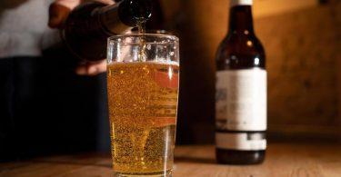 Zum Themendienst-Bericht vom 11. Februar 2021: Kein Bier für mehrere Wochen? Für viele Deutsche denkbar - sie würden beim Fasten am ehesten auf Alkohol verzichten. Foto: Franziska Gabbert/dpa-tmn