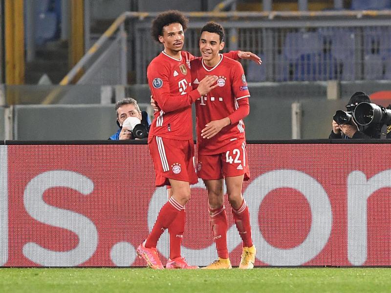Könnten bald Nationalmannschaftskollegen sein: Die Bayern-Profis Leroy Sané und Jamal Musiala (r). Foto: Giuseppe Maffia/dpa
