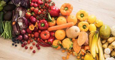 Obst und Gemüse haben einen basischen Effekt im Körper. Foto: Christin Klose/dpa-tmn