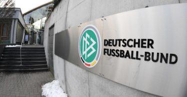 Die Landes- und Regionalverbände kritisieren den DFB. Foto: Arne Dedert/dpa