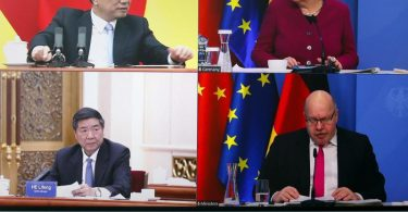 Verbunden per Videoschalte: Bundeskanzlerin Angela Merkel und Bundeswirtschaftsminister Peter Altmaier sprechen mit dem chinesischen Ministerpräsidenten Li Keqiang (oben links) und dem Vorsitzenden der Nationalen Entwicklungs- und Reformkommission Chinas (NDRC), He Lifeng. Foto: Michele Tantussi/Reuters/Pool/dpa