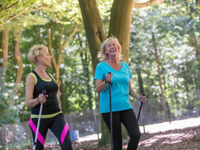 Sport ist ein effektives Mittel gegen Bluthochdruck, doch Betroffene können noch mehr tun. Foto: Christin Klose/dpa-tmn