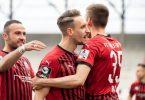 Der FC Ingolstadt um Tobias Schröck (M.) will in die zweite Liga aufsteigen. Foto: Matthias Balk/dpa