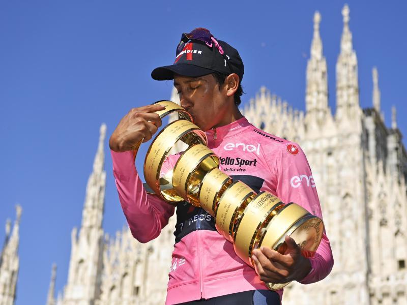 Egan Bernal wird nach seinem Giro-Sieg in der Heimat gefeiert. Foto: Fabio Ferrari/LaPresse via ZUMA Press/dpa