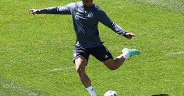 Leroy Sane beim Training mit der Nationalmannschaft. Foto: Christian Charisius/dpa