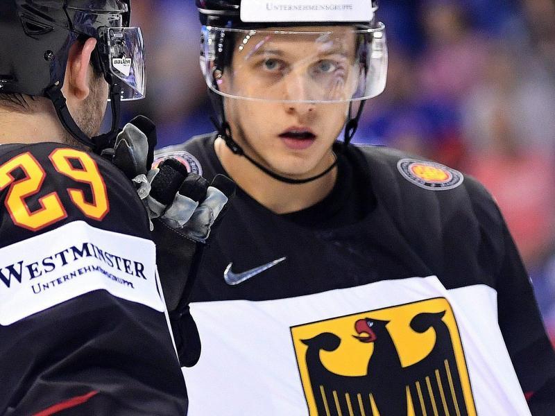 Steht im DEB-Team gegen USA: NHL-Stürmer Dominik Kahun. Foto: Monika Skolimowska/dpa-Zentralbild/dpa