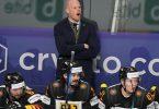 Bundestrainer Toni Söderholm und das DEB-Team brauchen einen Sieg. Foto: Roman Koksarov/dpa
