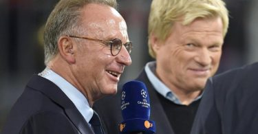 Oliver Kahn (r) übernimmt beim FC Bayern das Amt des Vorstandsvorsitzenden von Karl-Heinz Rummenigge. Foto: Andreas Gebert/dpa