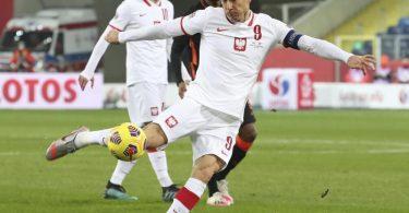 Bayerns Stürmerstar Robert Lewandowski geht bei der EM für Polen auf Torejagd. Foto: Czarek Sokolowski/AP/dpa