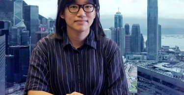 Chow Hang-Tung, eine Organisatorin des früher jährlichen Gedenkens an die blutige Niederschlagung der Demokratiebewegung am 4. Juni 1989 in Peking, wurde jetzt in Hongkong festgenommen. Foto: Vincent Yu/AP/dpa