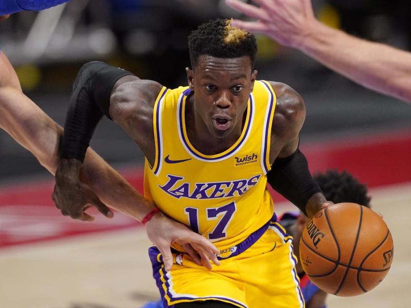 Dennis Schröder von den Los Angeles Lakers wurde von der Basketball-Legende «Magic» Johnson hart kritisiert. Foto: Carlos Osorio/AP/dpa